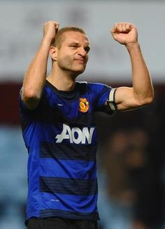 Manchester United captain Nemanja Vidic hits Old Trafford training grounds early