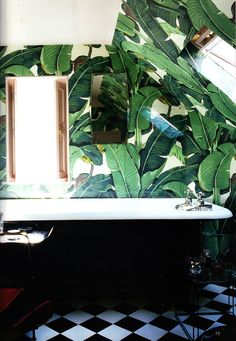 Tropical leaf prints in home decor, fashion and party planning! Take a look through these stunning images and get some tropical leaf inspiration. Bad Inspiration, Bathroom Inspiration, Interior Inspiration, Bathroom Inspo, Design Bathroom, Palm Leaf Wallpaper, Of Wallpaper, Bathroom Wallpaper, Wallpaper Jungle
