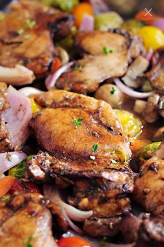 Balsamic chicken and roasted vegetables all in ONE pan. It's gluten free and low carb. You can change up the vegetables each time! This type of one-dish meal is my favorite. Hope you enjoy too! Supper Recipes, Great Recipes, Whole Food Recipes, Healthy Recipes, Favorite Recipes, Delicious Recipes, Kitchen Recipes, Cooking Recipes, Balsamic Chicken