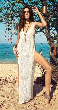 a460ec4e5337 Tropical vacation Katrina Kaif Bikini