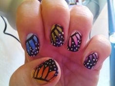 Mis uñas, mi pasatiempo... como gata panza arriba: BUTTERFLY ILLUSION