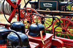 Pickelhaube, alte Feuerwehrhelme. Der preußische Helm mit Spitze. Feuerwehrtechnik. Bilder und Grusskarten, Pictures and Greeting cards
