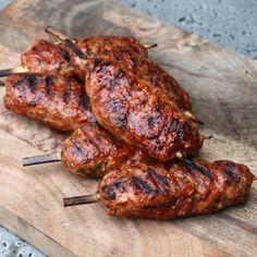 Bacon Bourbon Chicken Kebabs | BBQ Recepten | BBQ Junkie Chicken Honey, Bourbon Chicken, Bbq Chicken, Amish Recipes, Dutch Recipes, Bbq Meat, Bbq Grill, Bbq Skewers, Kebabs