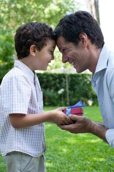 Fragrances for Dear Dad: Father's Day Top Scents: Celebrating Father Figures