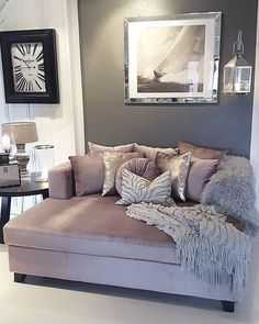 7 Miraculous Cool Tips: Interior Painting Trends Farrow Ball bathroom paintings sheen.Living Room Paintings 2019 interior painting schemes for the home.Interior Painting Tips Shades. Home Living Room, Apartment Living, Living Room Decor, Living Spaces, Mauve Living Room, Small Living, Daybed In Living Room, Bedroom With Couch, Vintage Apartment