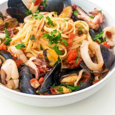 Get transported to the Italian seaside with this recipe for Italian Seafood Pasta with Mussels and Calamari. Our easy video tutorials help with the prep!
