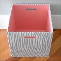 Haz útiles cajas organizadoras reciclando cartón y tela ~ Solountip.com Diy Karton, Home Crafts, Diy Crafts, Diy Storage Boxes, Cardboard Box Crafts, Diy Curtains, How To Make Diy, Diy Interior, Diy Box