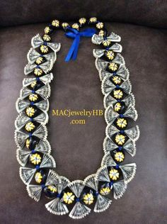 Graduation Money Lei Ring with School Colors – MAC Jewelry Money Lei, Money Origami, Money Dance, Money Necklace, Folding Money, Origami Folding, Origami Art, Creative Money Gifts, Ribbon Lei