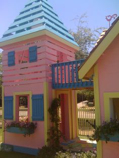 Cottages for Kids at Rosemary Beach, FL Toddler Playhouse, Indoor Playhouse, Build A Playhouse, Playhouse Ideas, Princess Playhouse, Princess Tower, Stage Set, Play Houses, Little Princess