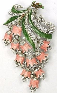 Trifari with Crown 'Pink Lillies' Brooch 1940 vintage costume jewelry x Vintage Costume Jewelry, Vintage Costumes, Antique Jewelry, Vintage Jewelry, Bijoux Art Nouveau, Lily Of The Valley, Vintage Brooches, Jewelery, Jewelry Bracelets