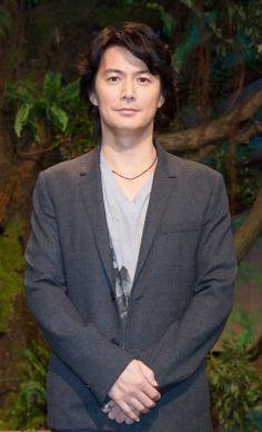 「髪が長い自分を見るのも久しぶりで、ロケから1年ほどたったのが早いなと思いました」と語る福山