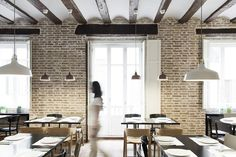Vegetarian restaurant in Valencia. Situated inside a 1850 building, the project looks for maximum respect and integration. A warm atmosphere leads every space, seeking little special places designed through the project.