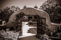 https://flic.kr/p/FNwtQY   Santuario de Chimayo   More experiments in Tone.