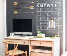 How to make an acrylic wall calendar - so stylish and chic!