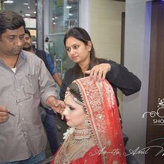 Our Gorgeous Bridal getting ready for her marriage at Short & Curly  For Makeup Bookings  Please visit - www.shortandcurly.in Or Contact - 9799969888 #hairartist #shortandcurlysalon #weddingmakeup #bridalmakeup #makeupartist