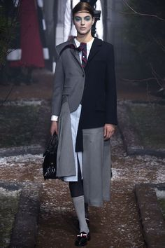 Browne Fall 2016 Ready-to-Wear Fashion Show See the complete Thom Browne Fall 2016 Ready-to-Wear collection.See the complete Thom Browne Fall 2016 Ready-to-Wear collection. Fashion Week, Look Fashion, Fashion Details, Runway Fashion, High Fashion, Fashion Show, Autumn Fashion, Womens Fashion, Fashion Design