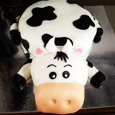 Cow cake.... LOVE THIS!!!