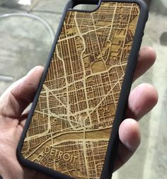 CutMaps is a company that makes phone cases that have laser cut wooden cities engraved into the back of them. The company takes a map of the downtown area of various cities across the United States an. Trotec Laser, Laser Cut Wood, Laser Cutting, Laser Cutter Ideas, Laser Cutter Projects, Routeur Cnc, Gravure Laser, Woodworking Shows, Woodworking Bed