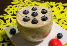 Áfonyás-banános chia mag puding recept képpel. Hozzávalók és az elkészítés részletes leírása. Az áfonyás-banános chia mag puding elkészítési ideje: 5 perc