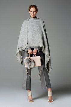 Discover the Collection Grey Fashion, Fashion 2017, Love Fashion, Fall Winter Outfits, Autumn Winter Fashion, Winter Clothes, Moda Outfits, Weekend Wear, Carolina Herrera