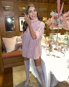 Olivia Culpo in a Oversized Ermanno Scervino Dress By Designer Ermanno Scervino Attending the Courchevel, Rhone Alpes, Autumn Winter Olivia Culpo, Winter Date Outfits, Moda Chic, Mein Style, Fall Dresses, Autumn Winter Fashion, Ideias Fashion, Celebrity Style, Cute Outfits