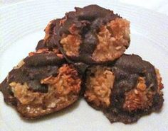 Paleo Recipe Queen: Paleo Dark Chocolate Macaroons