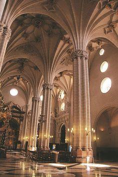 Zaragoza, Spain. Monumentos. Interior de la Catedral de La Seo