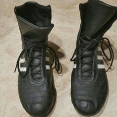 Adidas womens boxing shoes ADIDAS WOMENS BLACK /WHITE BOXING SHOES  SIZE US 7 1/2 WORN A COUPLE OF TIMES  VERY GOOD CONDITION  VERY COMFORTABLE Adidas Shoes Athletic Shoes