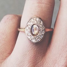love the vintage style rings. i am so in love with vintage everything. always have, always will.. ♡♥