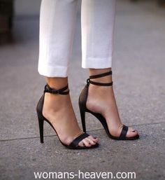 Black heels image,moda,style, fashion, high heels, image, photo, pic, pumps, shoes, stiletto, women shoes5 http://www.womans-heaven.com/black-heels-image-2/