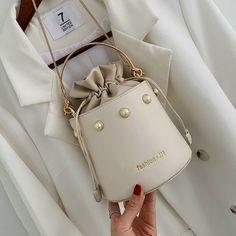 Purses 78179743519916667 - High Quality Leather Crossbody Handbags Source by xoqueenbxtch Cute Handbags, Popular Handbags, Cheap Handbags, Purses And Handbags, Handbags Online, Fendi Purses, Popular Purses, Latest Handbags, Fabric Handbags