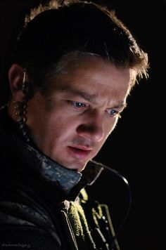 Jeremy Renner as St.Doyle in '28 Weeks later' cr. therennerlegacy.tumblr.com