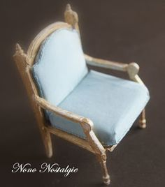 Miniature chair tutorial. This is in French but pictures self explanatory.