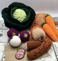 Crochet Food, Crochet Ideas, Lana, Knitting, Diy, Amigurumi, Crochet Toys Patterns, Crochet Patterns, Crochet Pumpkin
