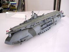 Model of an Aircraftcarrier/Zepplin, Science Fiction??