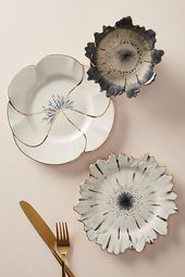 Papetal Floral Plate - From couture headdresses and fine jewelry to elaborate w. - Papetal Floral Plate – From couture headdresses and fine jewelry to elaborate window displays an - Ceramic Plates, Ceramic Pottery, Ceramic Art, Cerámica Ideas, Diy Jewelry Projects, Paperclay, Decoration Design, Dessert Decoration, Display Design