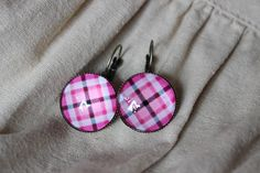 Retro chequered pink and black earrings antique gold checkered paned simple colorful earrings squares glass cabochon pale rose pink Square Earrings, Black Earrings, Antique Earrings, Pastel Pink, Antique Gold, Pink Roses, Handmade Jewelry, Retro, Antiques