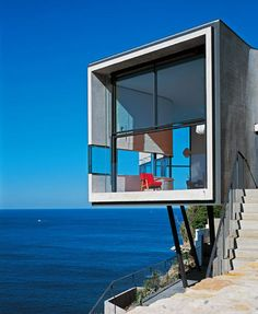 Cliff-top house - Sydney