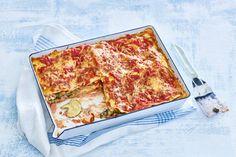 Je kunt lasagne op de klassieke manier met gehakt maken, maar deze variant met vis is ook het proberen waard - Recept - Allerhande