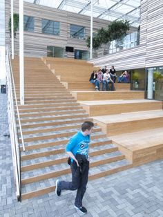 Image 9 of 13 from gallery of CAH Dronten / BDG Architects Zwolle. Photograph by BDG Architects Zwolle Education Architecture, Space Architecture, School Architecture, Ramp Stairs, Under Stairs, Bleacher Seating, Holland, Landscape Elements, Urban Life