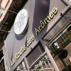 """Les Thés Christine Dattner Paris. Nos thés sont Lyon . Ici à La route  des arômes"""" 21 rue de Brest. Christine Dattner la French Touch du thé depuis 36 ans. Teas Christine Dattner Paris.   Christine Dattner, the French touch tea since 36 years.   www.christinedattner.com cdthes@gmail.com   www.espacethe.com   #tea #thes #teaporn #tealover #lifestyle #luxury #teatime #degustation #teaclub #teablog #food #foodporn #yummy #indulge #pleasure #harmony #teachristinedattner #theschristinedattner"""