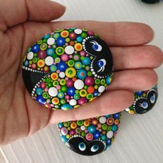 Colorful Dot Art Lucky Ladybug Painted Stone Fairy Garden About Colourful Dot Art Lucky Friends Charm Ladybug Painted Stone Fairy Garden Gift Decoration Painted rock Beachstone Pin You can easily use Rock Painting Patterns, Dot Art Painting, Rock Painting Designs, Mandala Painting, Pebble Painting, Pebble Art, Stone Painting, Acrylic Painting Rocks, Dot Painting Tools