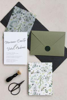 Vellum paper wrap wedding invitations, handmade envelopes with wax seal / © PAPIRA invitatii de nunta personalizate #invitatiinunta #invitatii