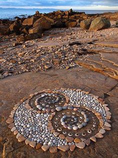 ⊰❁⊱ Mandala ⊰❁⊱ Land Art by Dieter Voorwold