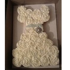 wedding dress cupcake cake | Wedding Ideas / Dress Pull Apart Cupcake Cake... cute bridal shower ...