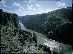 File:Arribes Río Duero, Zamora.JPG