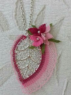 Lace Flowers, Crochet Flowers, Fabric Flowers, Fabric Flower Tutorial, French Knots, Lace Jewelry, Needle Lace, Lace Making, Bargello