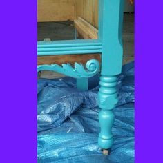 A sneak preview of one project currently saving me from cleaning my house. Loving turquoise on walnut. #aardvarkfurniture #aardvark #vintagedresser #turquoise. #aqua #teal #paintedfurnirure #sneakpeeks #asseenincolumbus #614