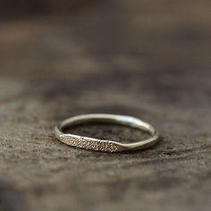 14k stardust signet ring