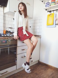#petite #brunette #girly #autumn #fall #platforms #vagabond #alineskirt…